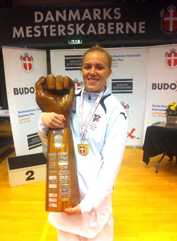 Katrine Lionett Pedersen fik årets fighterpokal