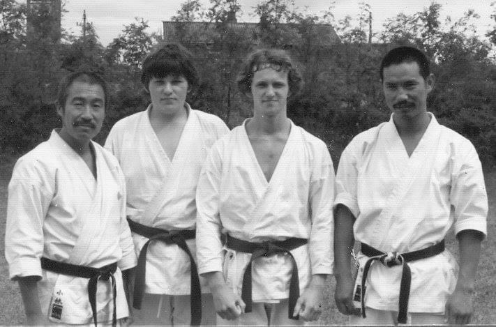 Tanaka sensei under et af hans mange besøg i Jylland. Her sammen med Kjeld sensei (nr. to fra venstre)