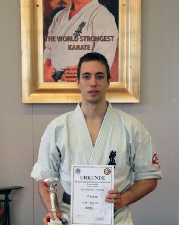 Nystartet fuld kontakt karate klub vinder sit første international mesterskab i fuld kontakt kampsport