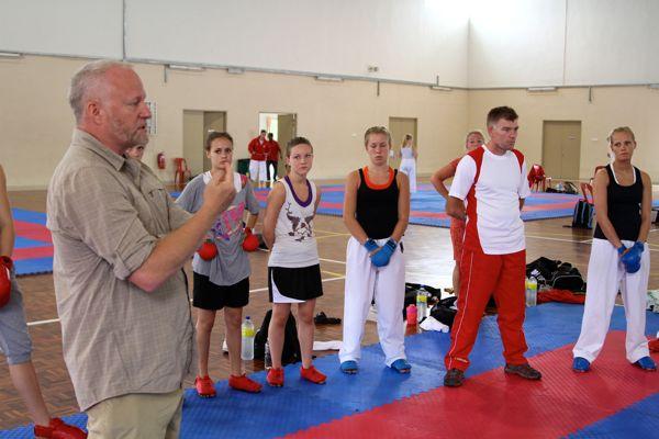 Melaka 3. træningsdag – Hvem tegner KarateNews?