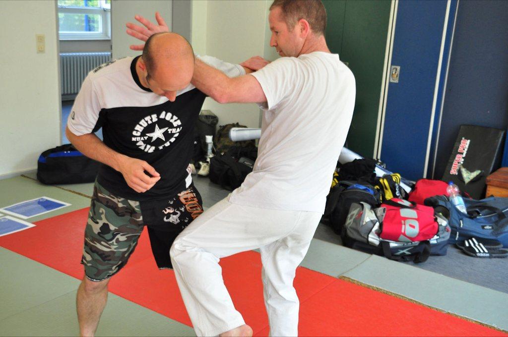 Karateka på Krav Maga Survival instruktør kursus.