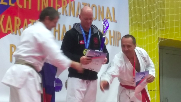3 medaljer til Bushikan i Tjekkiet