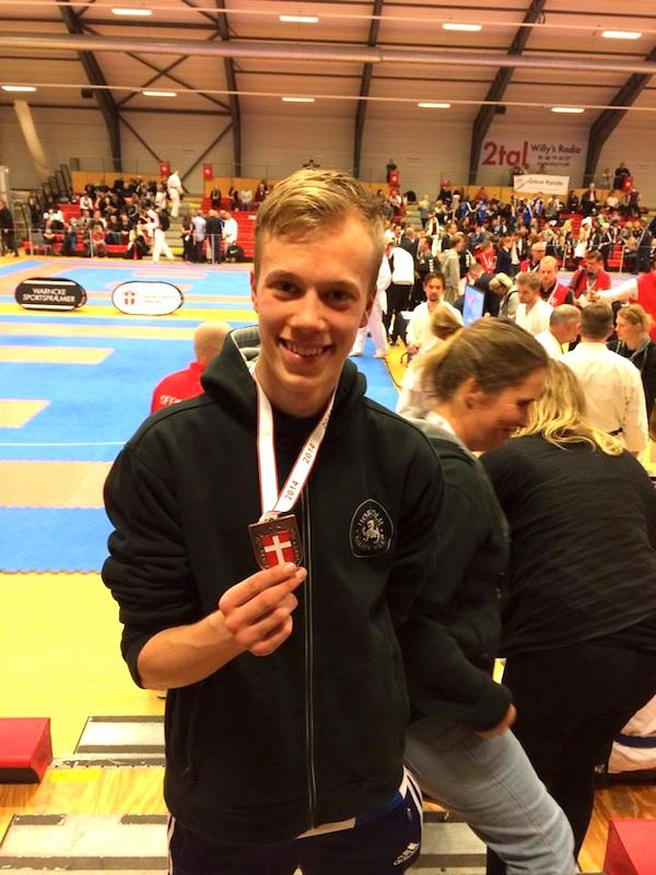"Oscar Friis ""bronze til DM i Kumite jeg er Mega stolt"""