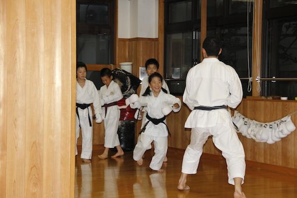 Træning på Shotokan Karate Honbu i Tokyo(JKS)
