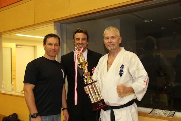 Flot guldmedalje i fuldkontakt til 57 årig dansker ved internationalt stævne i Japan!