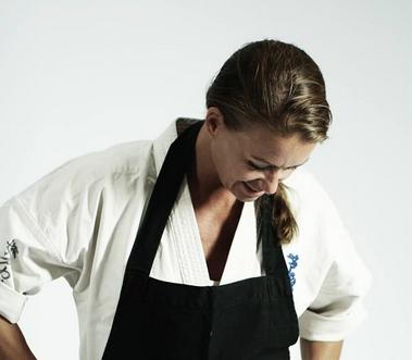 """Vindere udtrukket – Vind bogen """"Helt enkelt"""" af karatekokken, Nanette Madsen"""