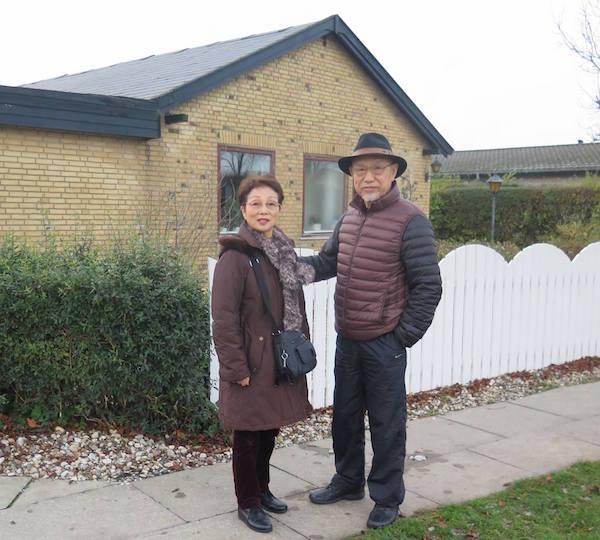 Masahiko Tanaka sensei og hans kone har lige været i Danmark. Under besøget blev der også tid til at Tanaka sensei og hans kone kunne gense deres tidligere hjem i København i perioden 1975 - 1977.  En ældre dame, som havde været en yderst hjælpsom nabo til Tanaka sensei og hans kone boede stadig på adressen. Et efter sigende bevægende øjeblik, da hun kom ud og hilste på begge efter 40 år.